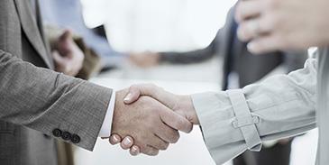 Business people handshake (2-1) 365x183